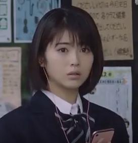 ラインミュージック(2018)最新CMの女子高校生役の女優は誰?浜辺美波の経歴をチェック