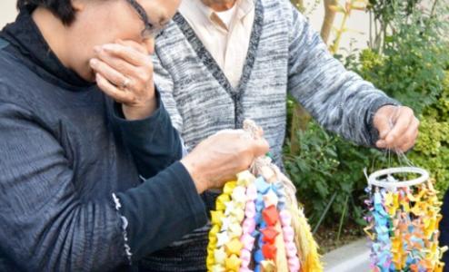 安田純平さんの千羽鶴は韓国式なのでしょうか。