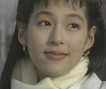 鈴木保奈美の可愛い若い頃の画像がこちらです。