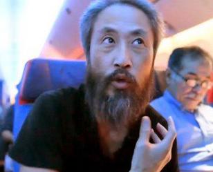 安田純平さんの両親の千羽鶴・折り鶴が話題です。