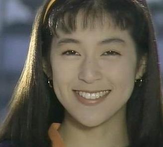 鈴木保奈美さんの若い頃は可愛いでしょうか。