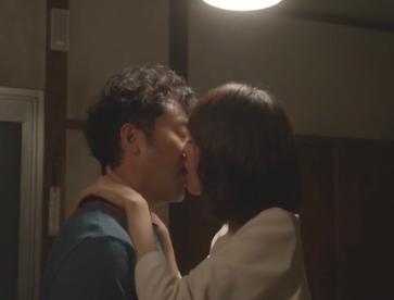 戸田恵梨香ムロツヨシ熱愛大恋愛キスシーン