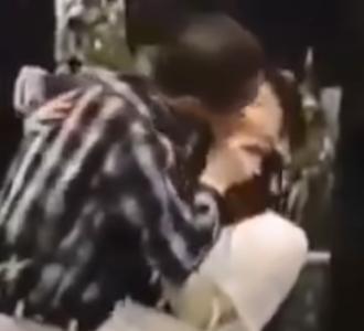 ほんこんとキスする篠原涼子