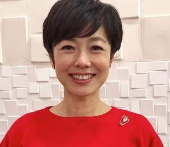 有働由美子アナのすっぴん画像はオオサンショウウオに似てるのでしょうか。